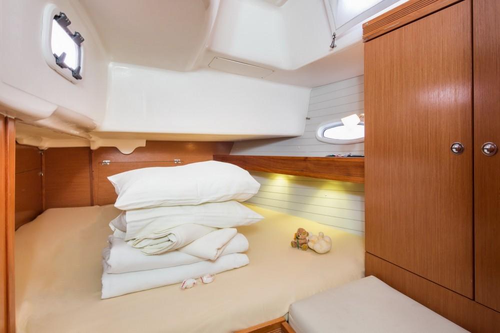 Rental Sailboat in Croatia - Bavaria Bavaria 47 Cruiser
