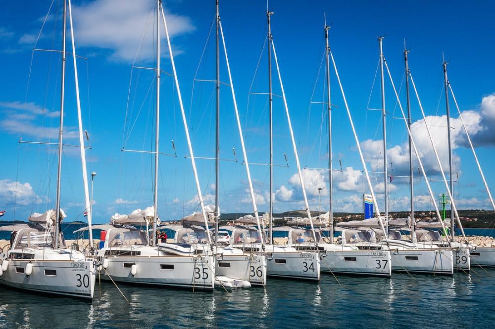 Rental Sailboat in  - Bénéteau Oceanis 38.1