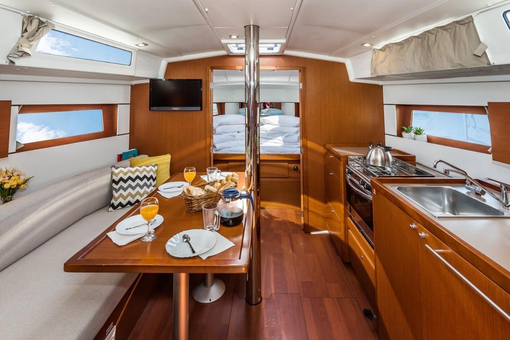 Rental yacht  - Bénéteau Oceanis 38.1 on SamBoat