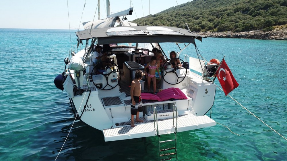 Sailboat for rent Kaş at the best price