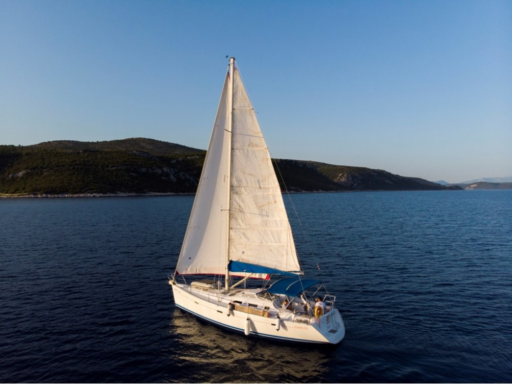 Rent a Bénéteau Oceanis Clipper 393 Croatie