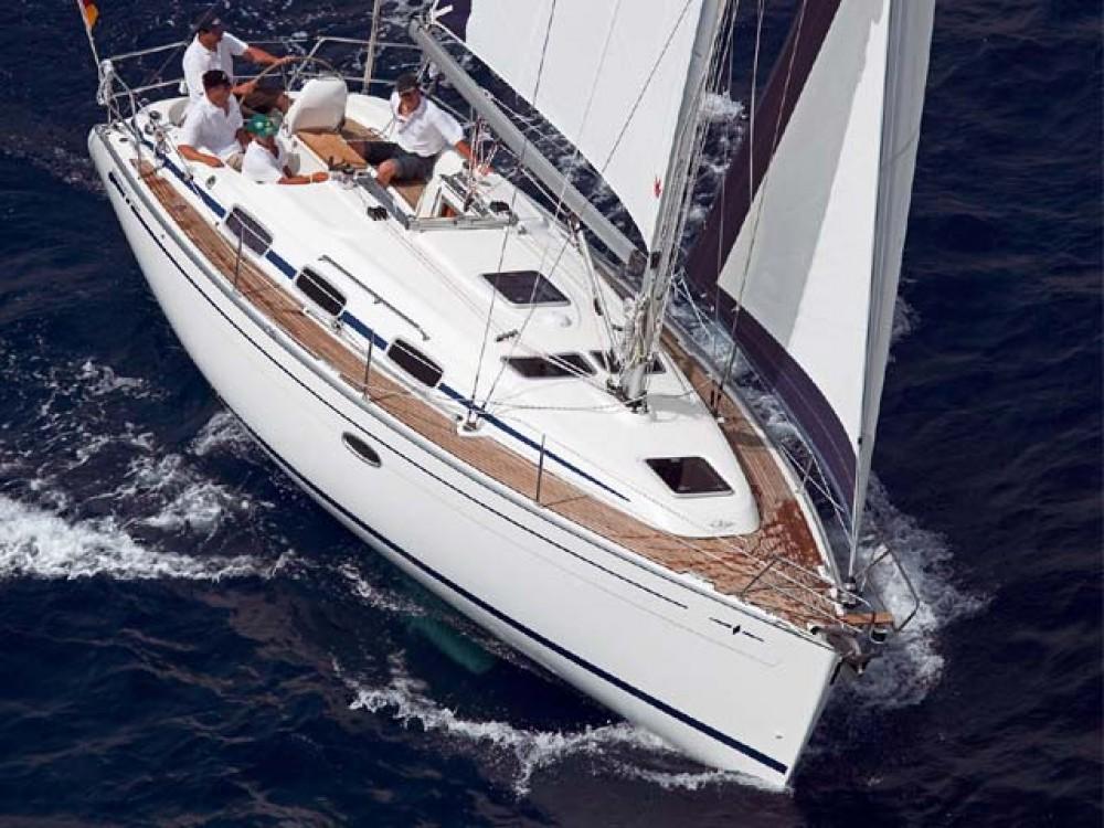 Boat rental Bavaria Bavaria 33 Cruiser in Ionian Islands on Samboat