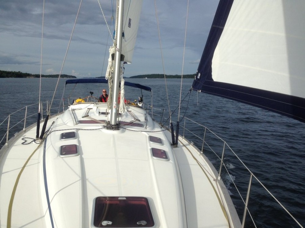 Hire Sailboat with or without skipper Bavaria Upplandstuna