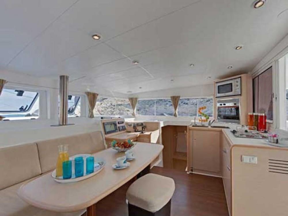 Boat rental Peloponnese cheap Lagoon 40 - 4 + 1 cab.