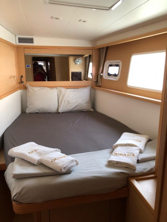 Boat rental Peloponnese cheap Lagoon 450 F - 4 + 2 cab.