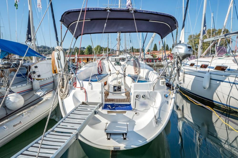Rental Sailboat in Corfu - Bavaria Bavaria 32