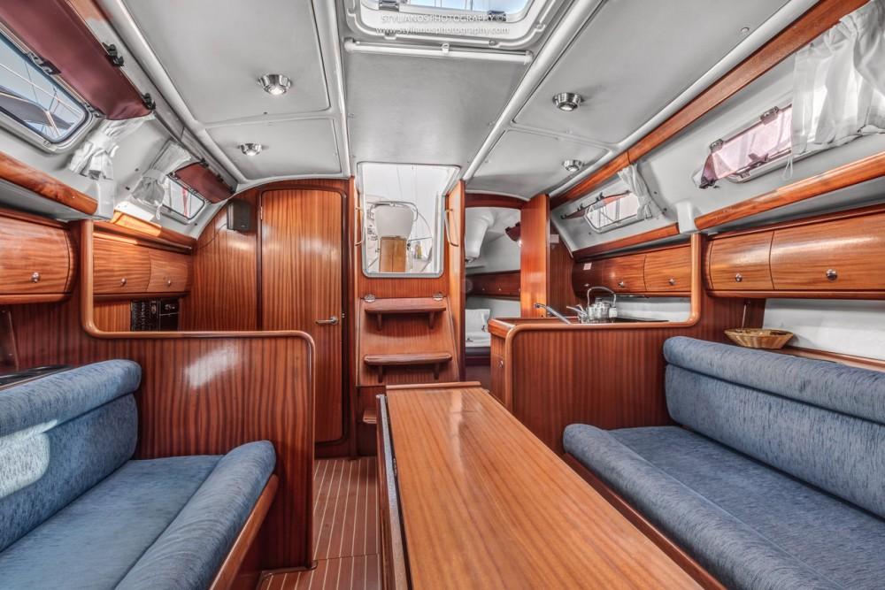 Rental yacht Corfu - Bavaria Bavaria 32 on SamBoat