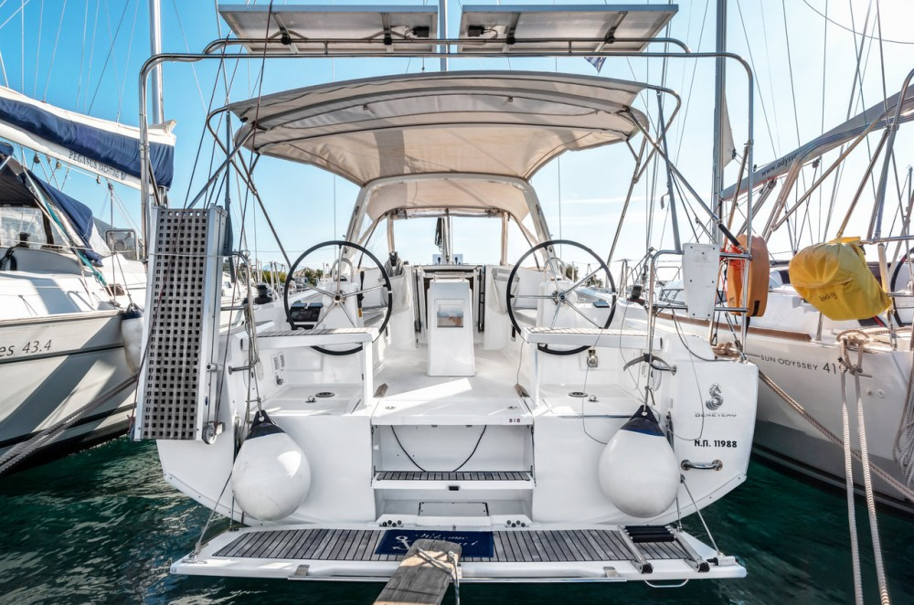 Rental Sailboat in Ionian Islands - Bénéteau Oceanis 38.1