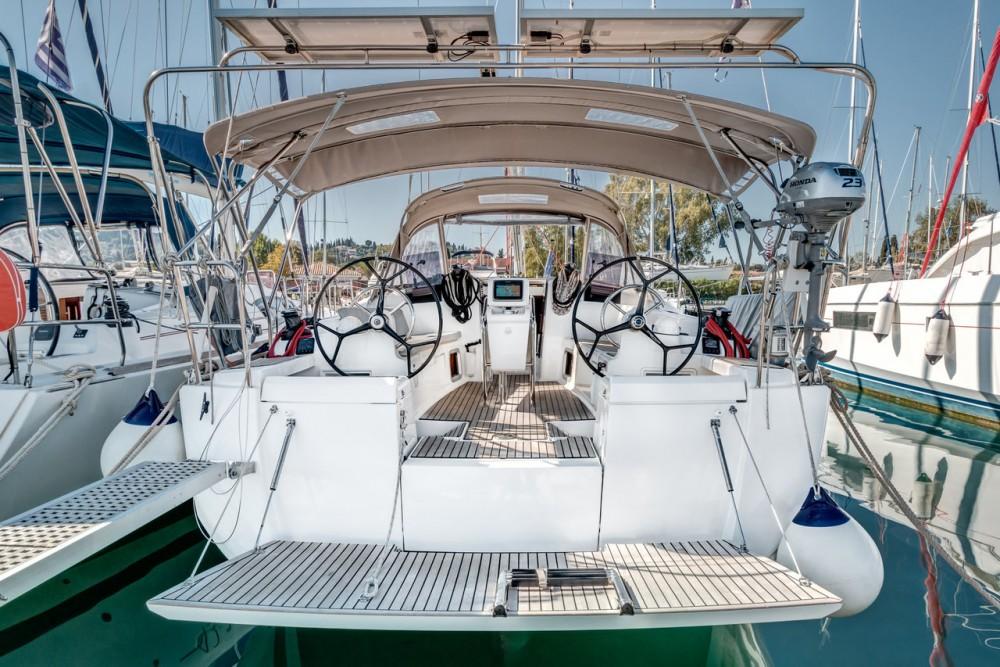 Boat rental Jeanneau Sun Odyssey 419 in Ionian Islands on Samboat