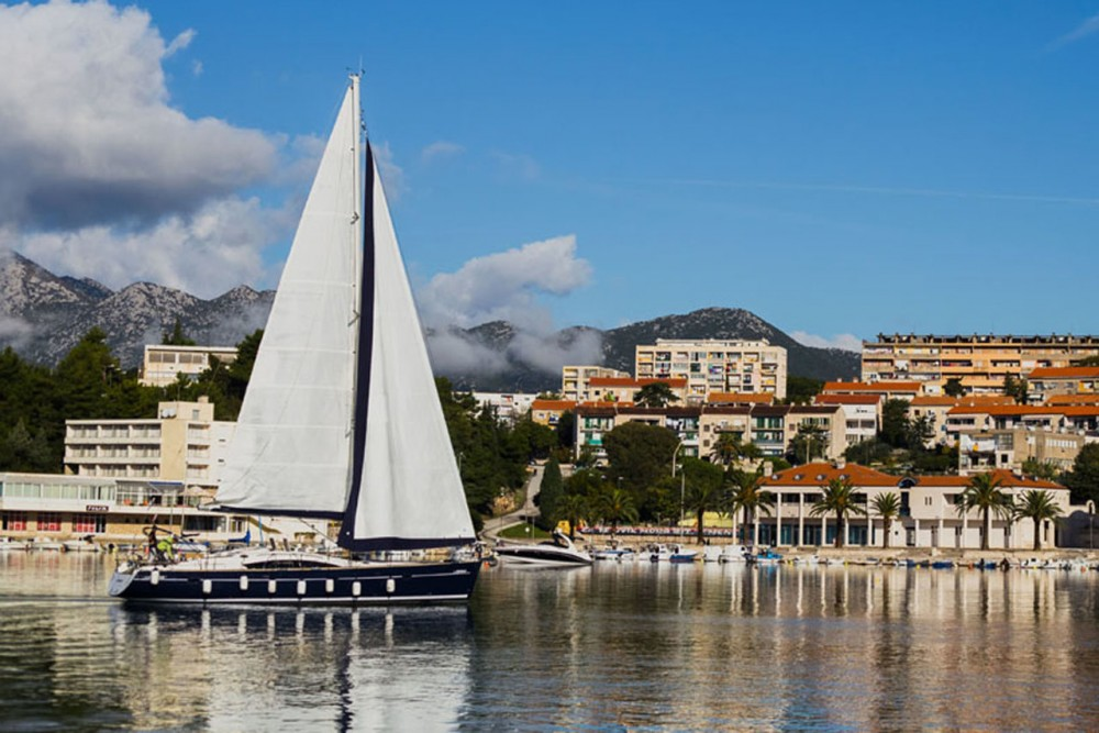 Rental yacht Croatia - Elan Elan 514 Impression - 4 + 1 cab. on SamBoat