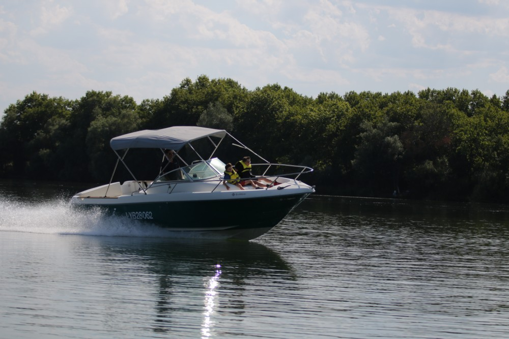 Boat rental Mâcon cheap Cap Camarat 725 WA