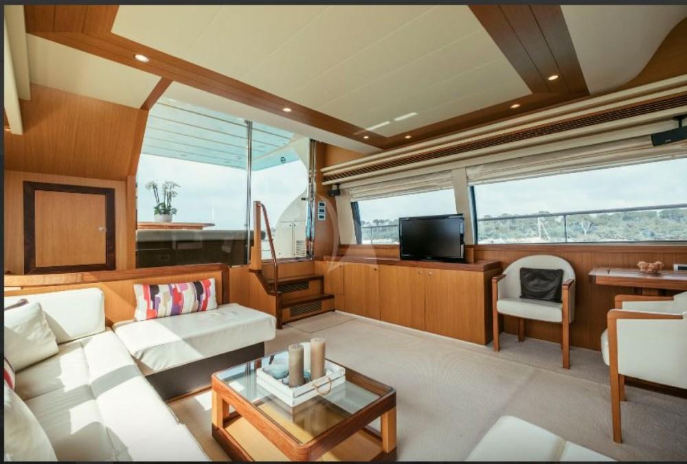 Rental yacht Cannes - Ferretti Altura 690 on SamBoat