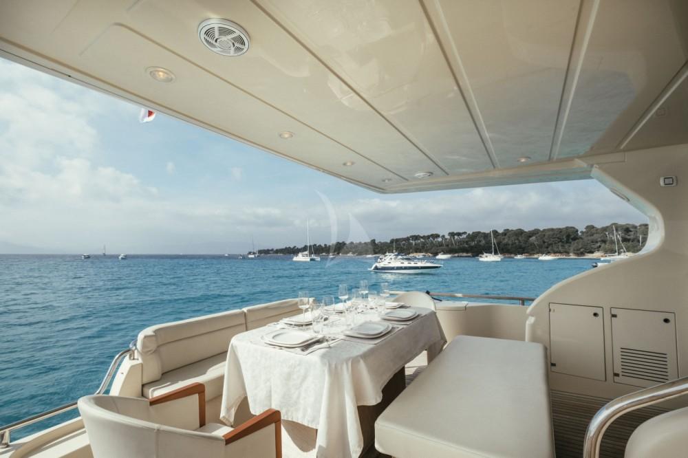 Boat rental Cannes cheap Altura 690