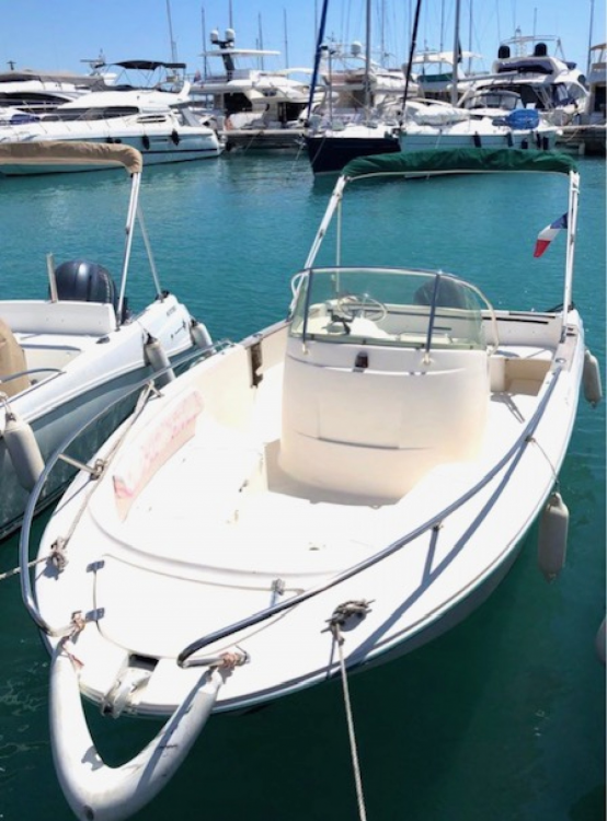 Hire Motorboat with or without skipper Jeanneau Roquefort-les-Pins