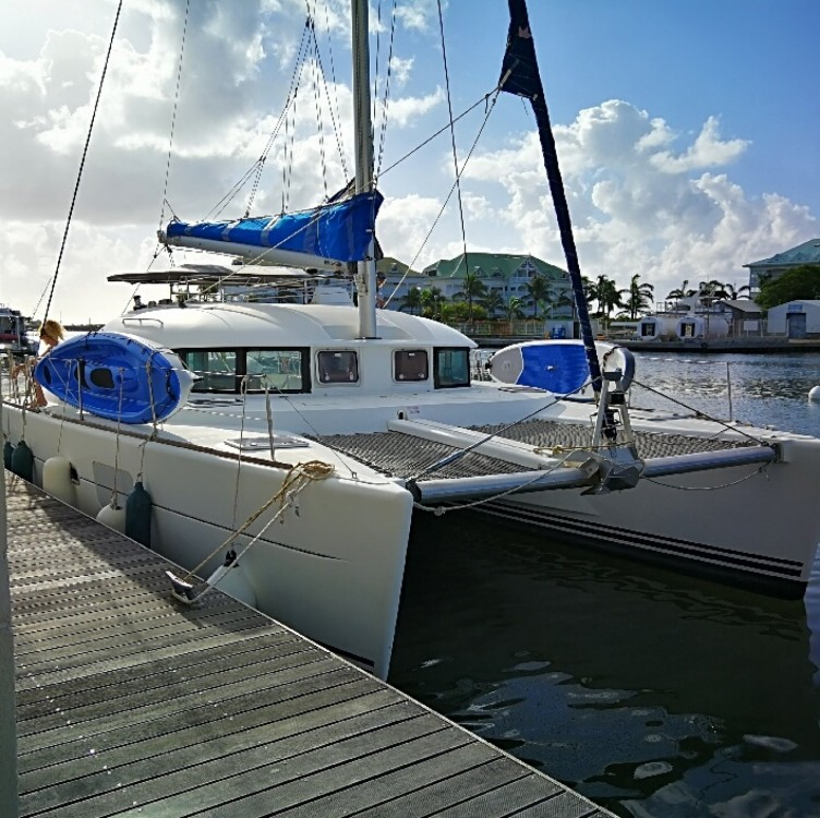 Hire Catamaran with or without skipper Lagoon Saint-François