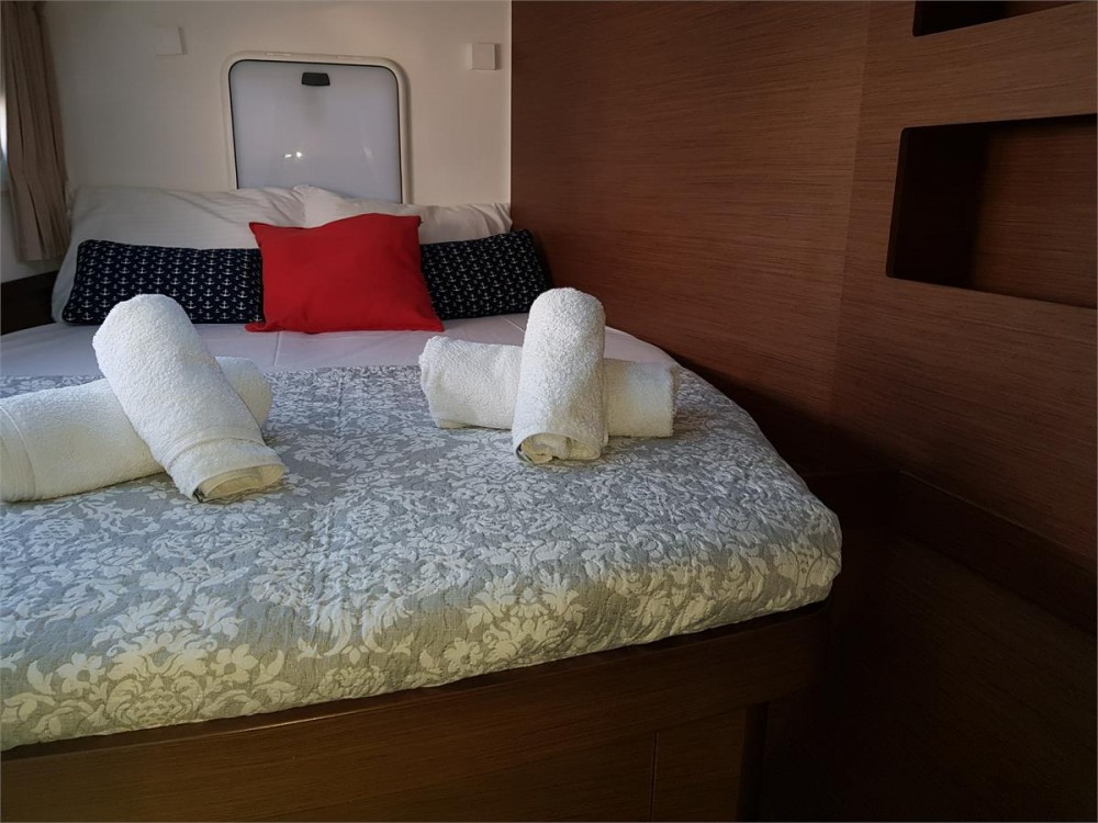 Rental yacht Corfu - Lagoon Lagoon 42 - 4 + 2 cab. on SamBoat