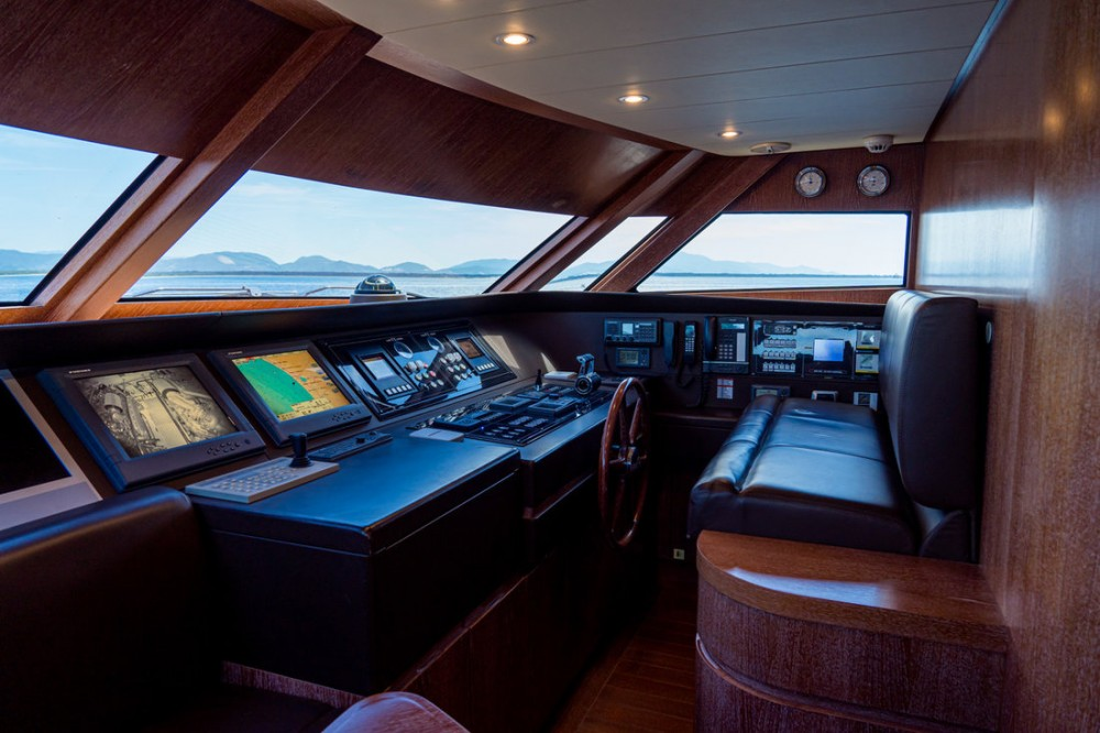 Rental Yacht Cantieri Di Pisa with a permit