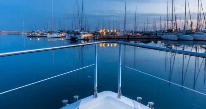 Boat rental Alimos cheap Ferretti 225