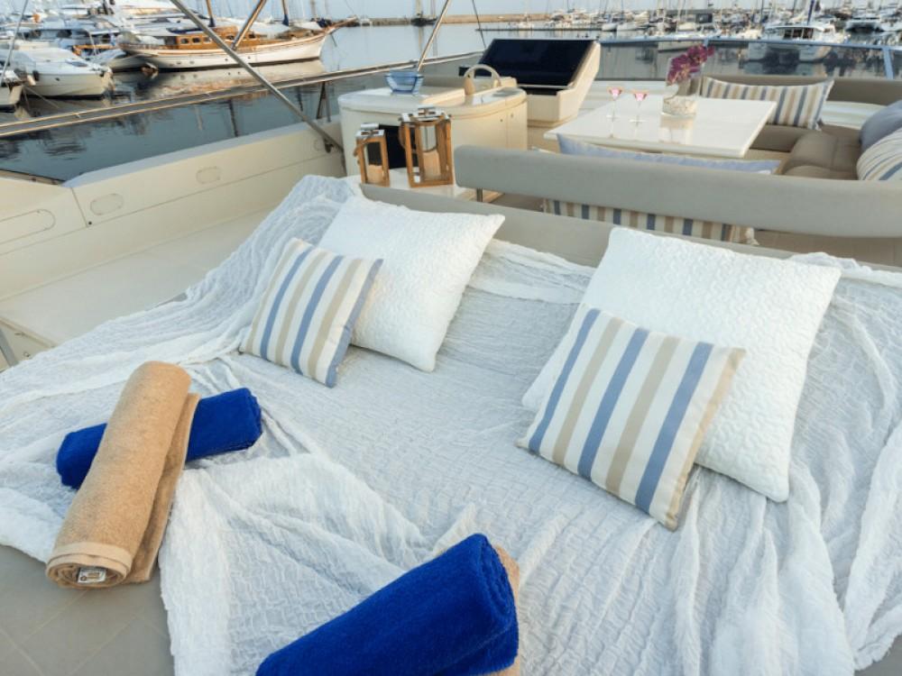 Rental Yacht in Álimos - Ferreti Ferretti 225
