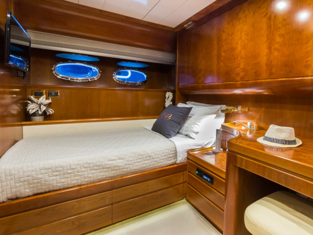 Rental yacht Álimos -  Posillipo Technema 70 on SamBoat