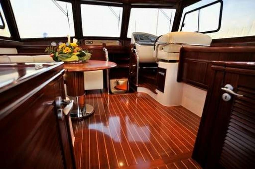 Rental Yacht Yatch abati  with a permit