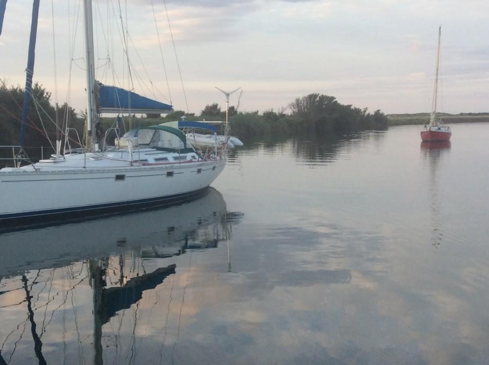 Boat rental Jeanneau Sun Fizz in Agde on Samboat