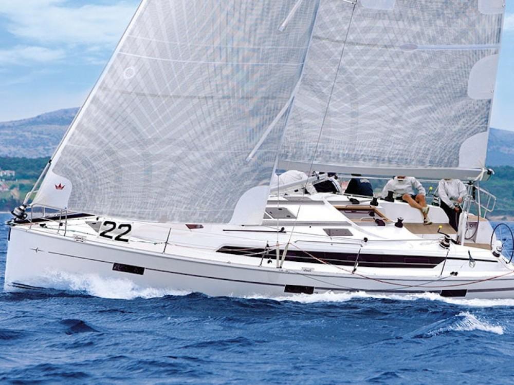 Rent a Bavaria Bavaria Cruiser 41S