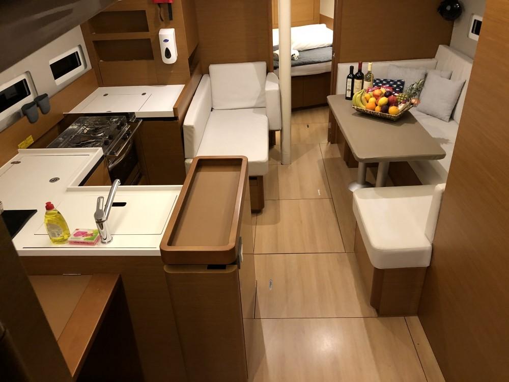 Rental Sailboat in Álimos - Jeanneau Sun Odyssey 410 ( INVENTER)