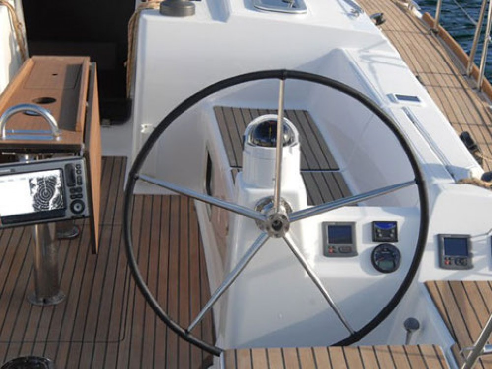Hire Sailboat with or without skipper Dufour