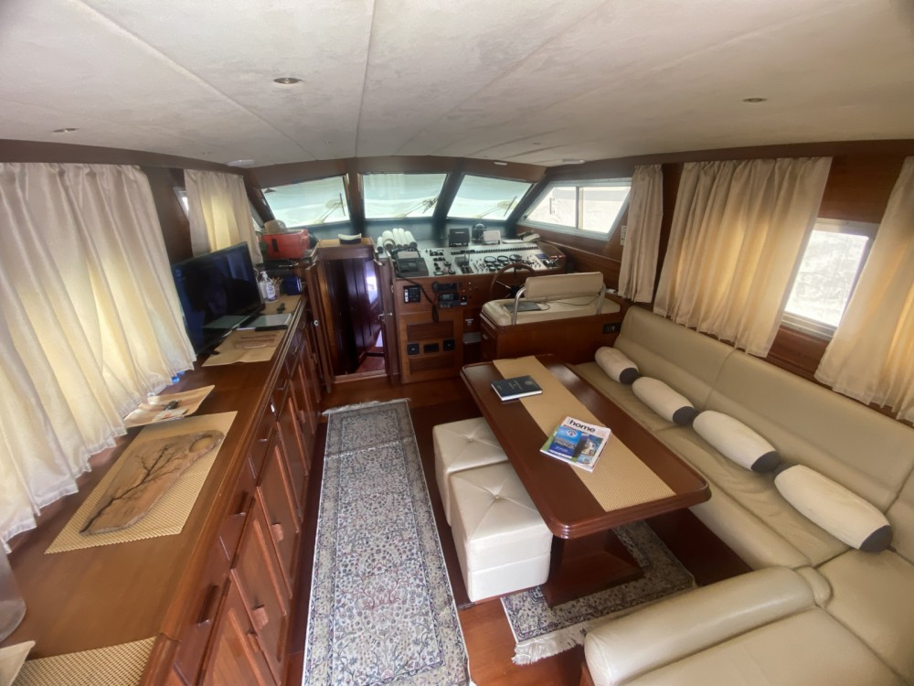 Boat rental Sanremo cheap c44 fly