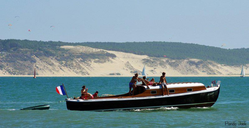 Hire Motorboat with or without skipper MARCEL CARRERE La Rochelle