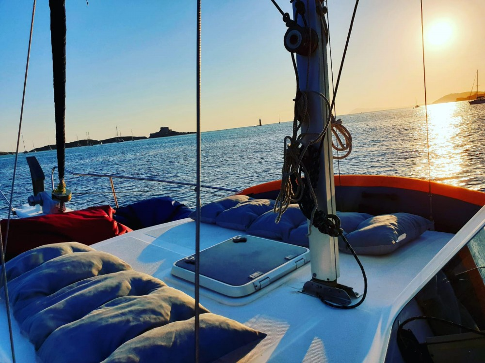 Hire Motorboat with or without skipper Menorquin-Yachts Hyères