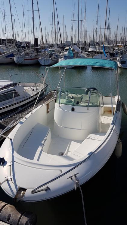 Boat rental La Rochelle cheap Cap Camarat 625