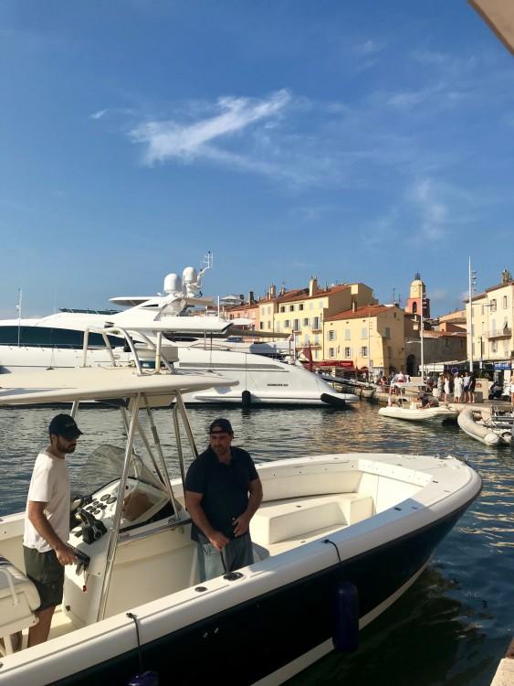 Boat rental Intrepid 32 in Grimaud on Samboat