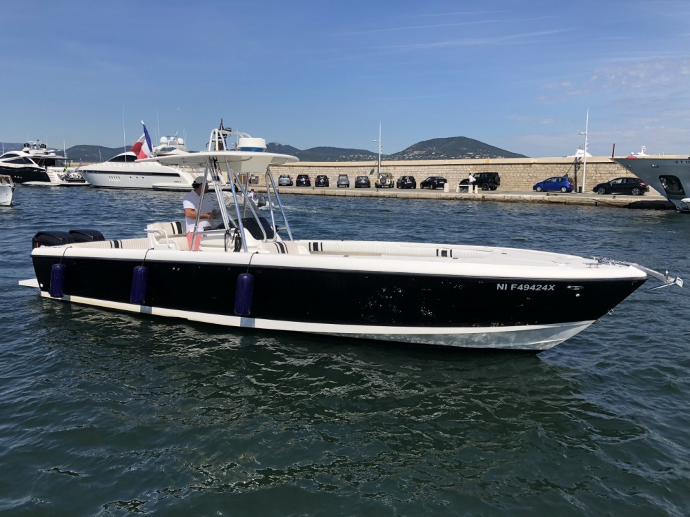 Intrepid 32 between personal and professional Grimaud
