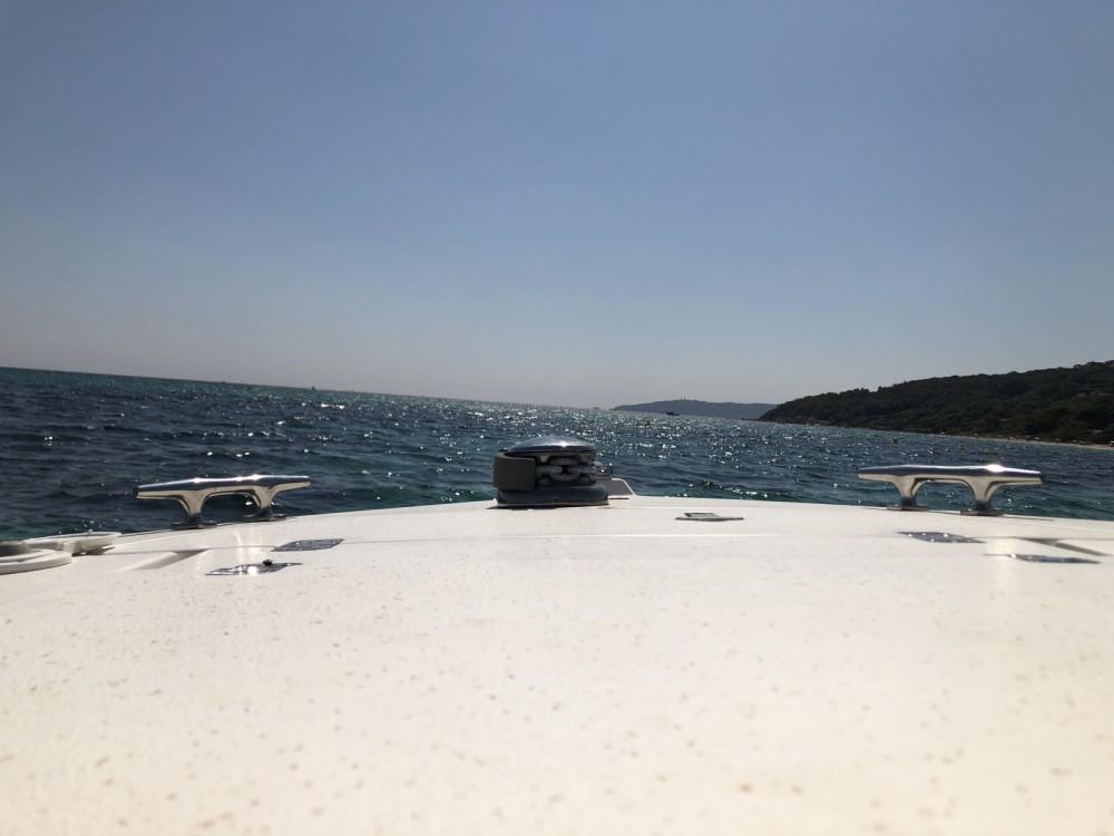 Rental Motorboat in Grimaud - Intrepid 32