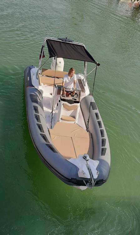 Boat rental Fréjus cheap Cayman 23 Sport