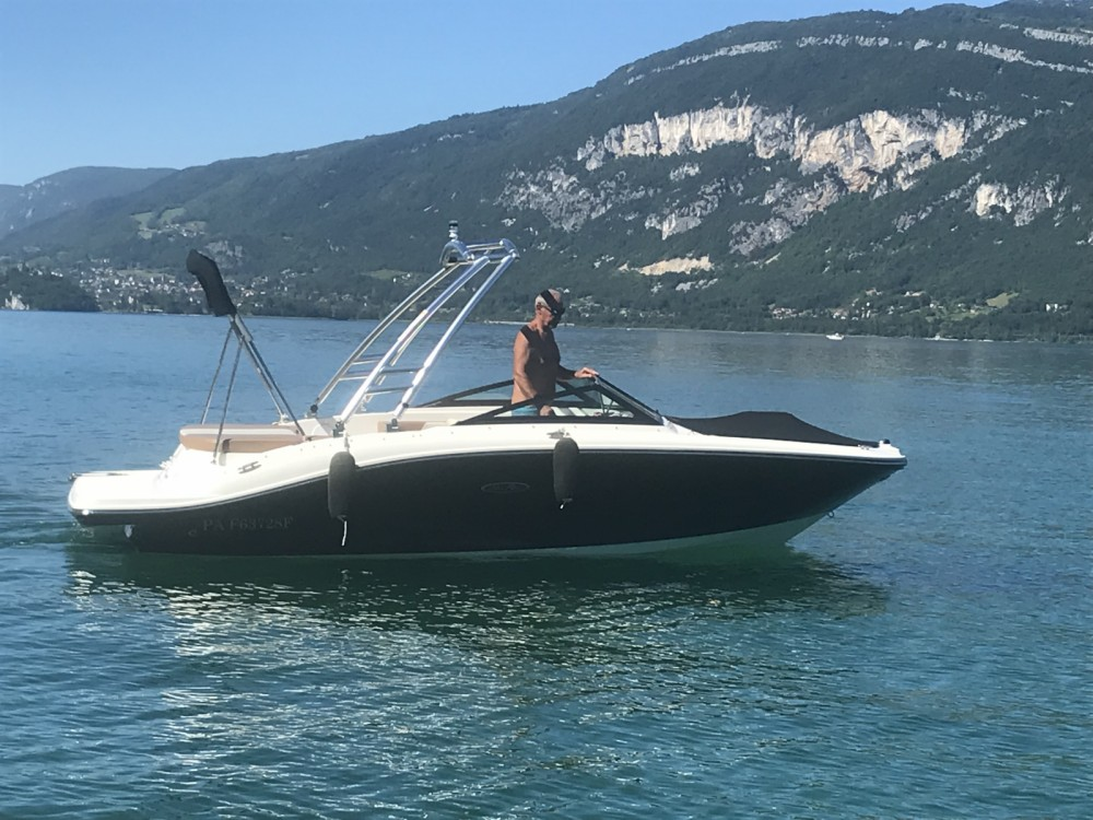 Rental Motorboat in Aix-les-Bains - Sea Ray SPX 190