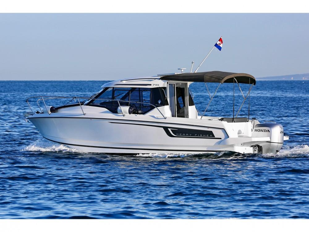 Rental Motorboat in Medulin - Jeanneau Merry Fisher 795