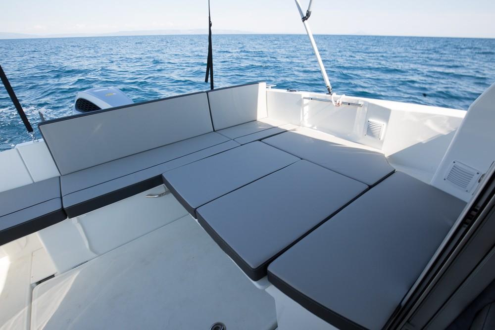 Boat rental Jeanneau Merry Fisher 795 in Medulin on Samboat