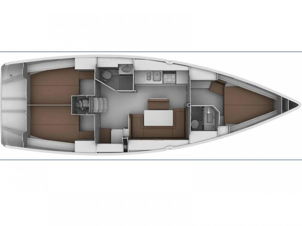 Rental Sailboat in Palamós - Bavaria Bavaria 40 Cruiser S