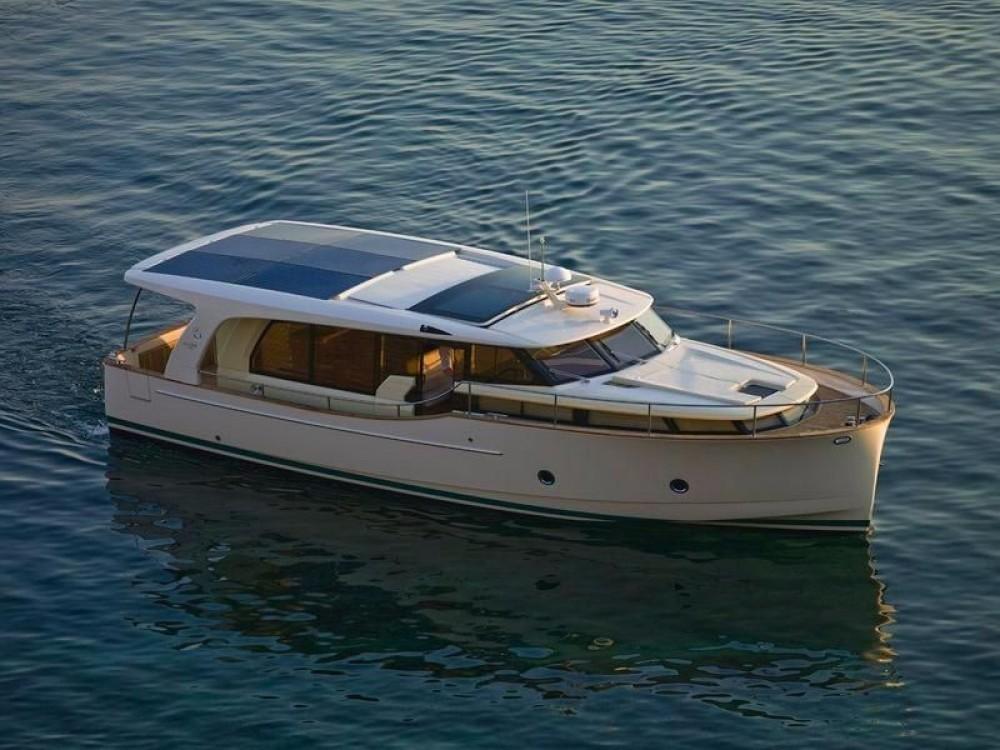Rental yacht Vila Nova de Gaia - Seaway Greenline 40 on SamBoat