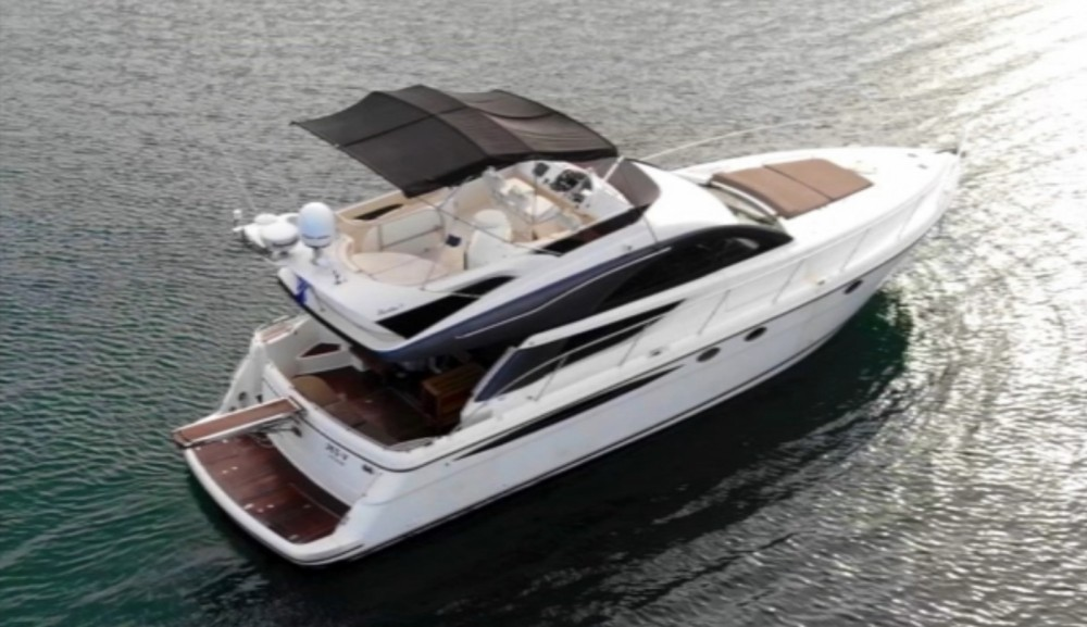 Rental yacht Ano Mera - Fairline Phantom 50 Flybridge on SamBoat