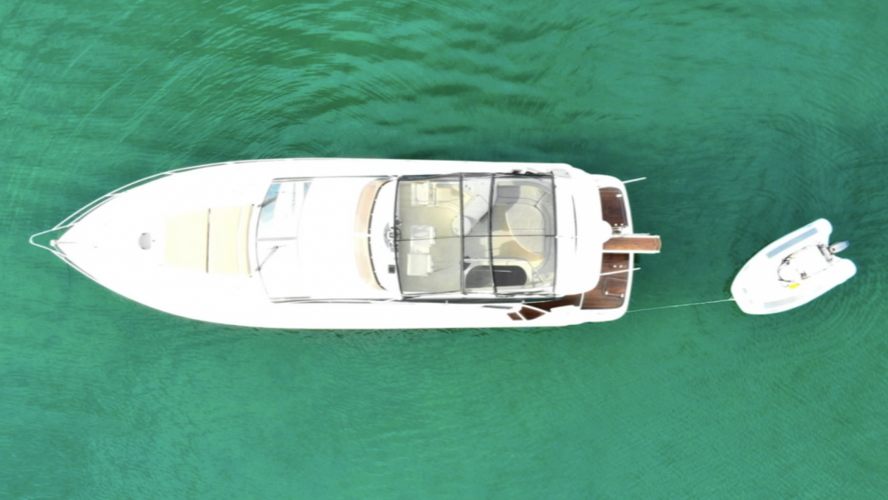 Motorboat for rent Ano Mera at the best price