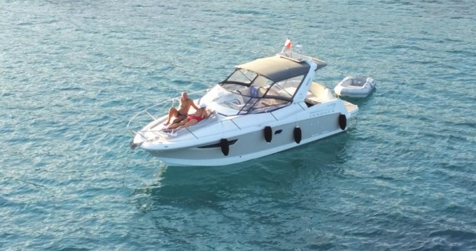 Hire Motorboat with or without skipper Jeanneau La Londe-les-Maures