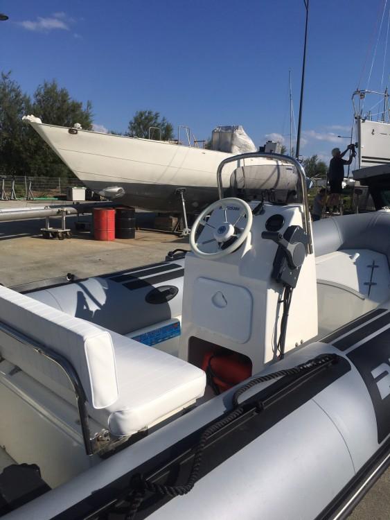 Boat rental Brest cheap Pro 9 Man