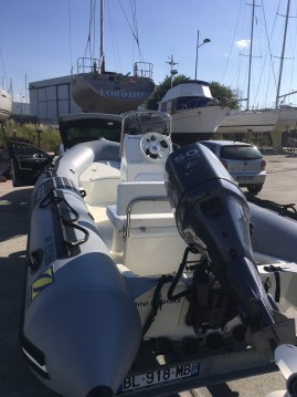 Zodiac Pro 9 Man between personal and professional Brest