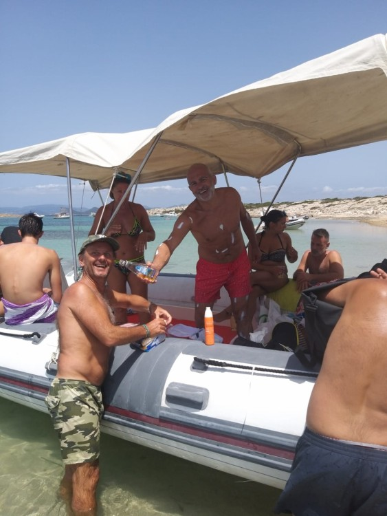 Boat rental Bwa Bwa 750 in Ibiza on Samboat