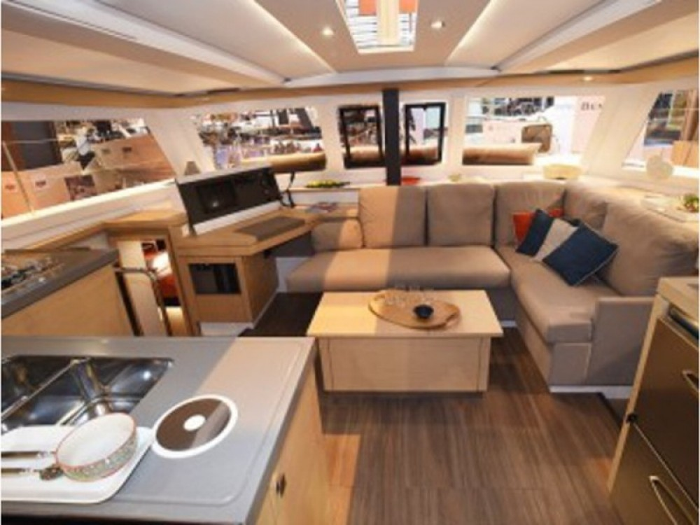Rental Catamaran in Primošten - Fountaine Pajot Lucia 40