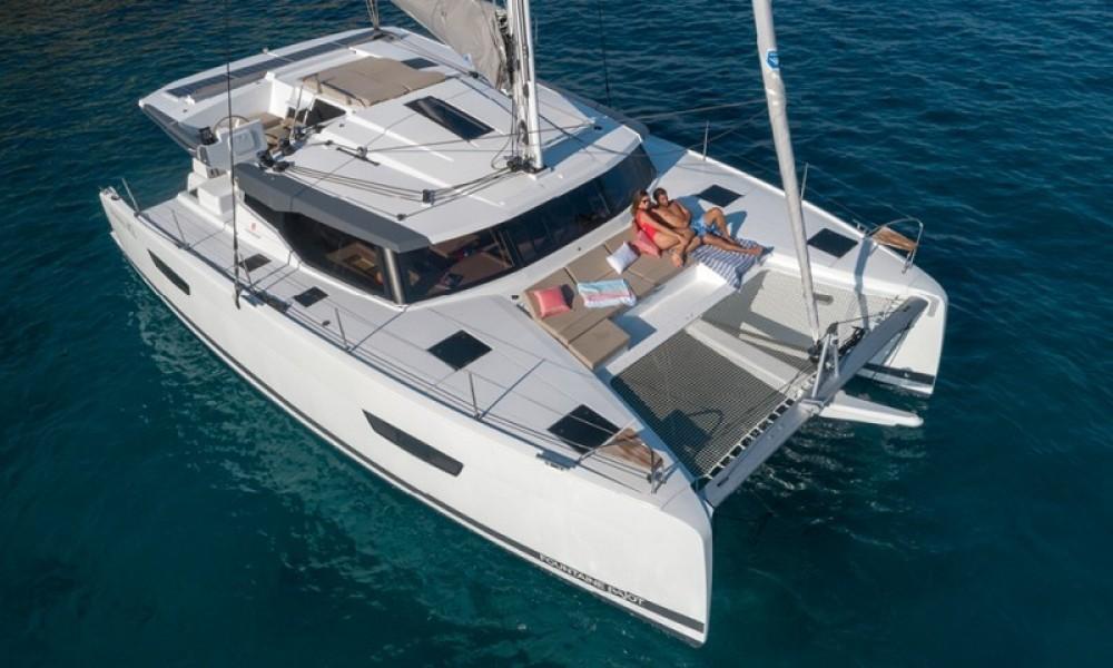 Rental Catamaran in Saint-Mandrier-sur-Mer - Fountaine Pajot Astrea 42